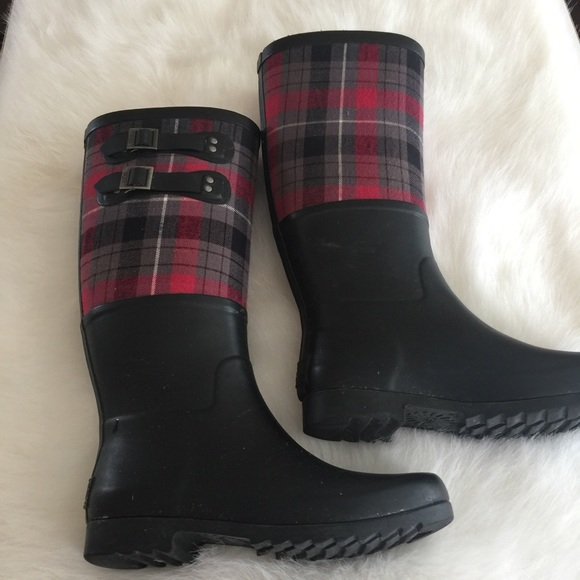 99d5fe07fb9 💜 Ugg black and red plaid rubber rain boots